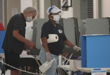 Florida virus deaths surpass 10,000 as teachers, state argue