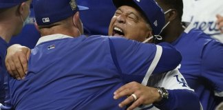 Roberts guides Dodgers to 1st World Series title in 32 years