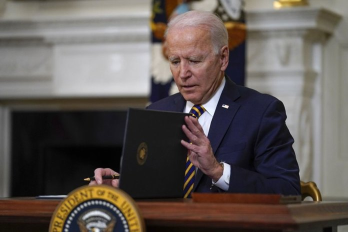 Biden lifts Trump-era ban blocking legal immigration to US