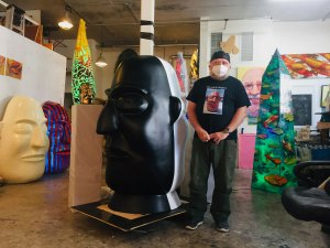 Frank Hyder is blowing up the art world one head at a time