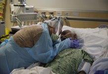 US deaths at brink of 500K, confirming virus's tragic reach
