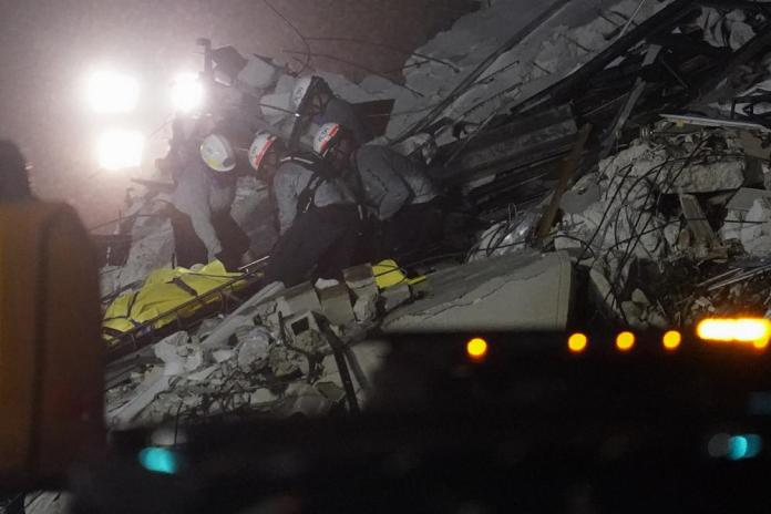 Death toll in Florida collapse rises to 4; 159 still missing