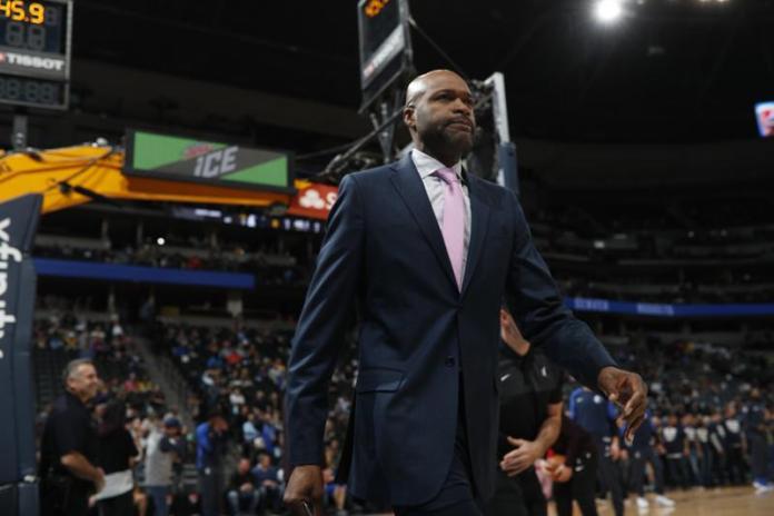 Magic finalize hiring of Mavs assistant Mosley as head coach