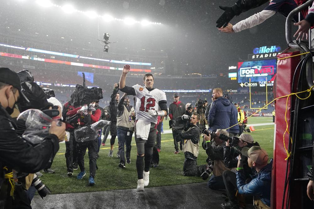 Analysis: Andy Reid's homecoming easier than Tom Brady's