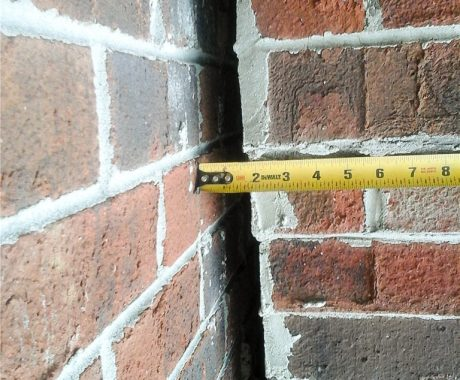 A Homeowner's Guide to Concrete Foundation Cracks