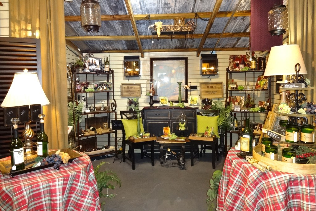 The Barn Antiques Shopping Complex In Lake Alfred Home Decorators Catalog Best Ideas of Home Decor and Design [homedecoratorscatalog.us]