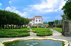 Day Trip to Vizcaya Museum and Gardens