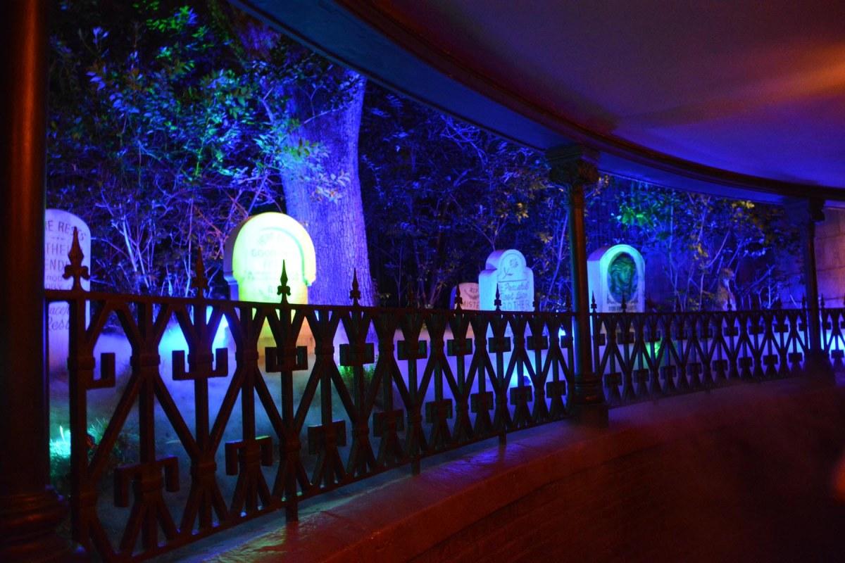 Today Disney Halloween Decor Haunted Mansion