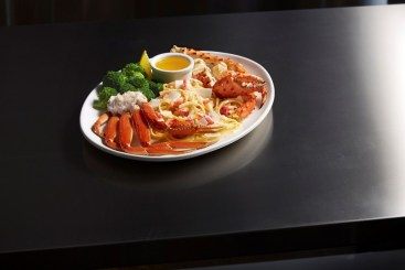 Crab Lover's Dream® is back at Red Lobster® for Crabfest®, giving guests a variety of preparations and types of crab all on one plate. (PRNewsfoto/Red Lobster Seafood Co.)