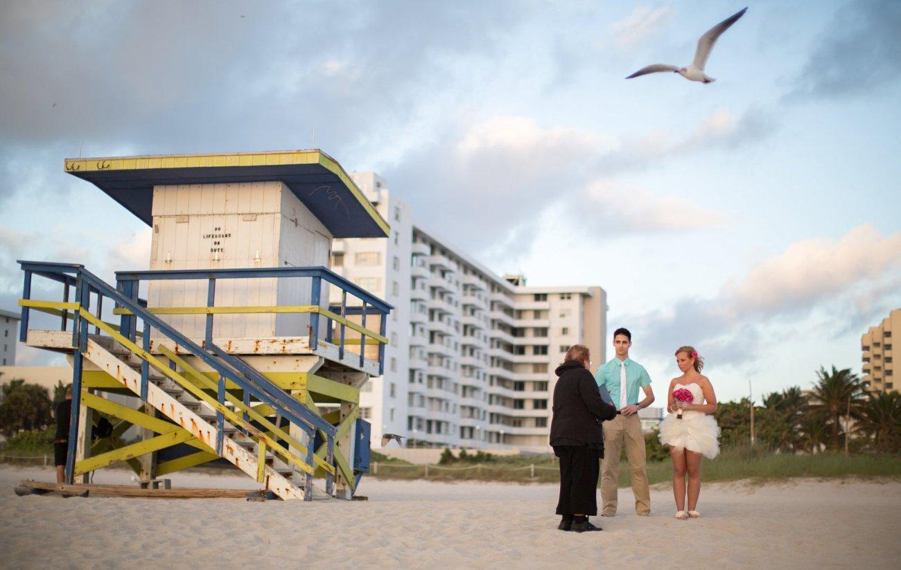 hochzeit-am-strand-von-florida-in-deutscher-sprache-a1-001 Tom's Miami Beach Elopement