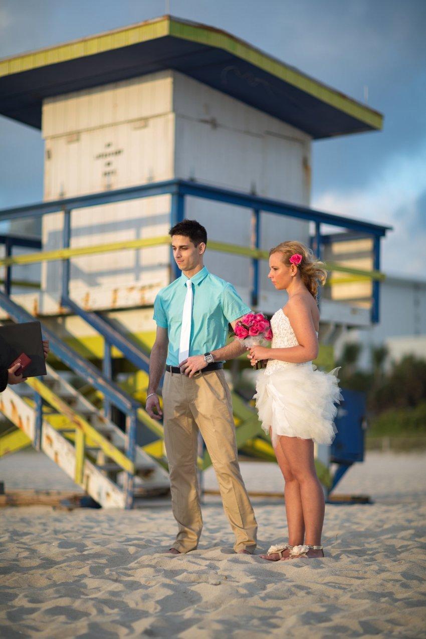 hochzeit-am-strand-von-florida-in-deutscher-sprache-a1-003 Tom's Miami Beach Elopement