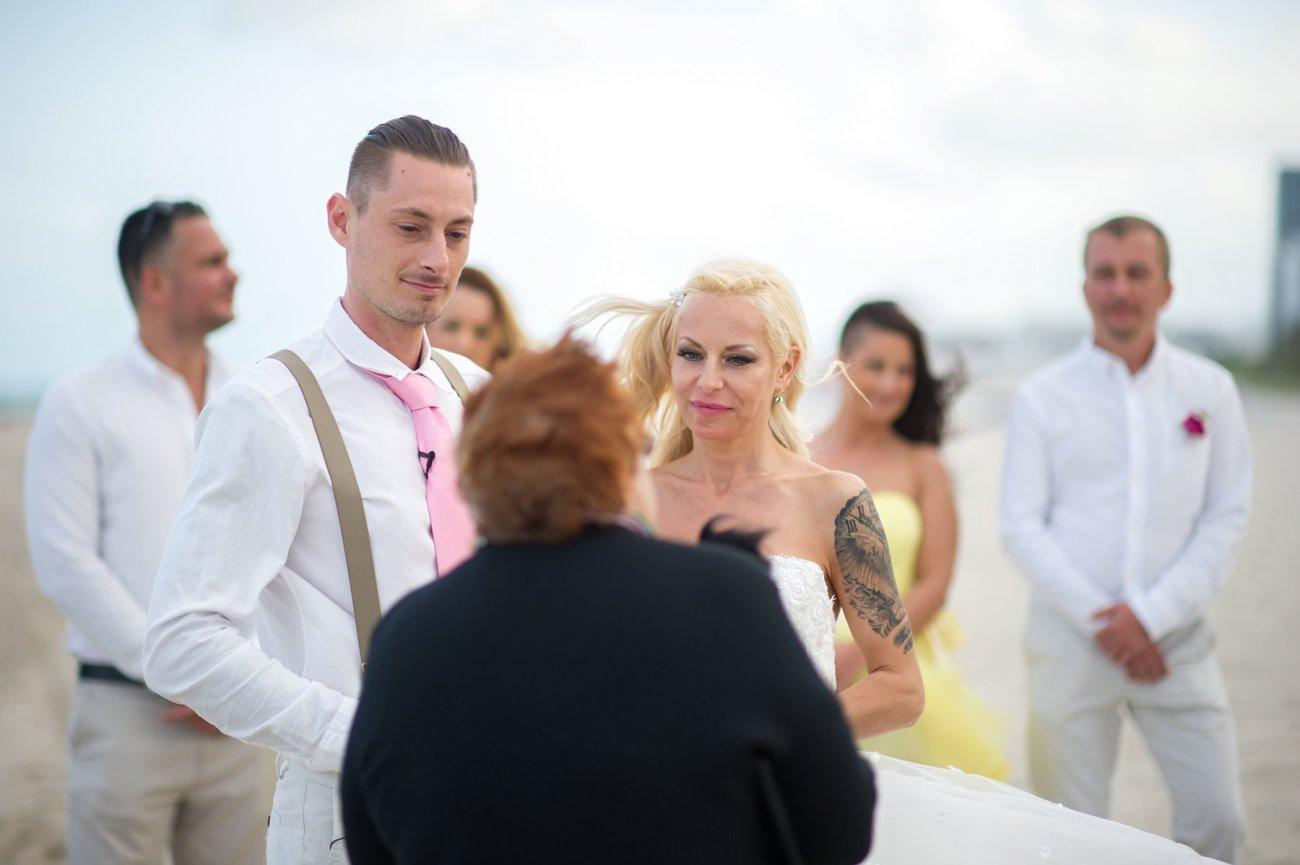 kulfoldi-eskuvo-arak-27 Anita's Fort Lauderdale-By-The-Sea Beach Wedding Photos