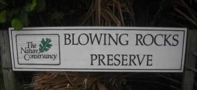 Jupiter Island sign for Blowing Rocks preserve