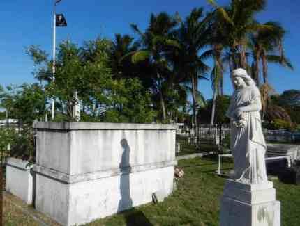Key-West-Cemetery-angel