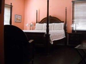 Cedar Key: Island Hotel room