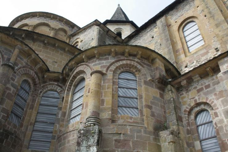 vitraux-pierre-soulage-conques-aveyron