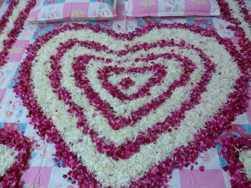 beautiful flower bedroom decoration