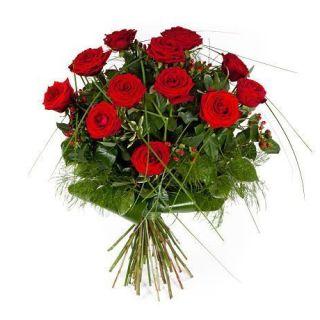 12-rosas-rojas-de-tallo-largo2
