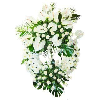 Corona-funeraria-blanca-con-rosas-y-anthurium-1