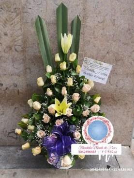 MUNDO DE FLORES Fúnebre F009