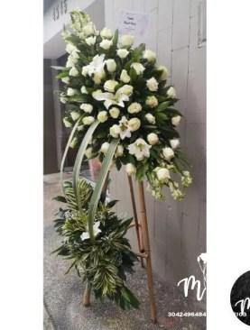 MUNDO DE FLORES Fúnebre F017