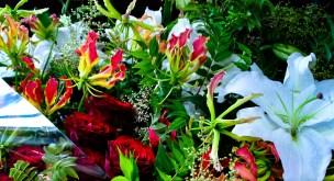 インパクト重視の巨大花束
