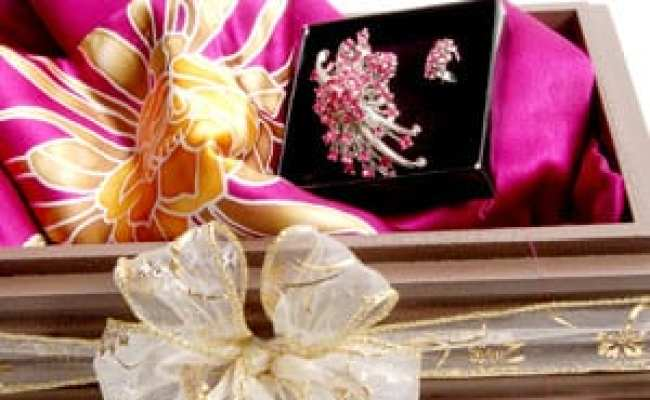 Gift For Her Malaysia Perfect Gifts Women Most Wanted