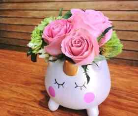 Unicornio con flores para Arreglos florales Tijuana - Florerias en Tijuana