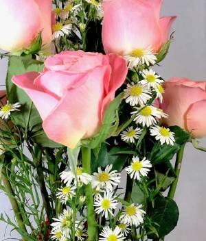 Expresión de amor. Arreglo de rosas y gerberas - Florerías en Tijuana, Arreglos Florales Tijuana