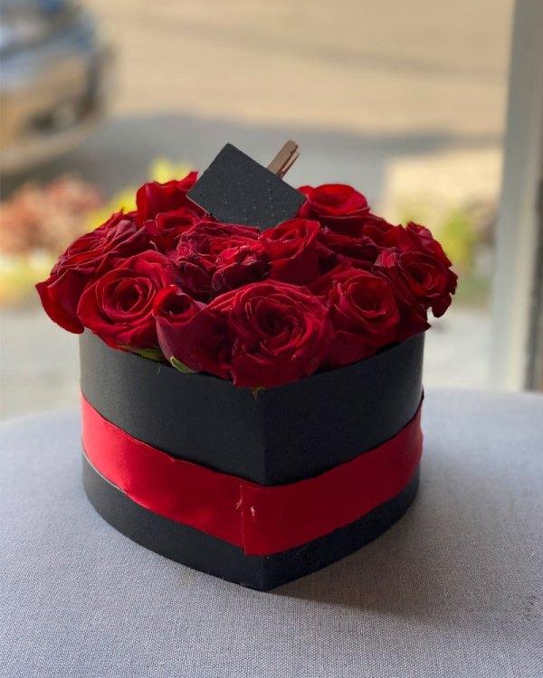 Caja de rosas | Envía flores a domicilio en Tijuana | Florerías en Tijuana