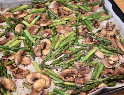 Easy Roasted Asparagus and Mushrooms