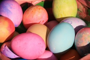 easter-eggs-close-up-600x400