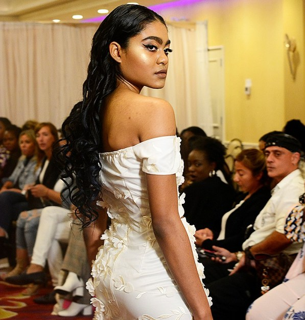 Super Chic New York Fashion Week Runway Photos by Darryll Arrindell – View Here!
