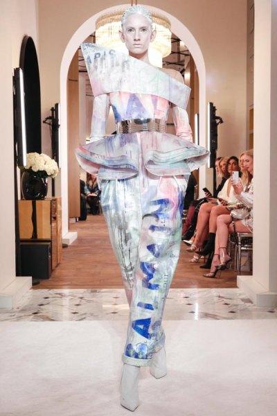 Balmain-Spring-2019-Couture-PFW-Runway-Fashion-16