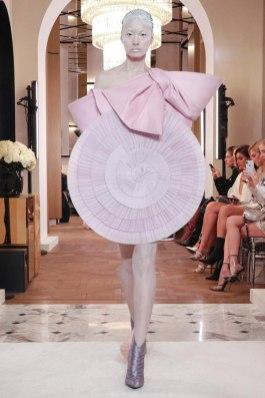 Balmain-Spring-2019-Couture-PFW-Runway-Fashion-17