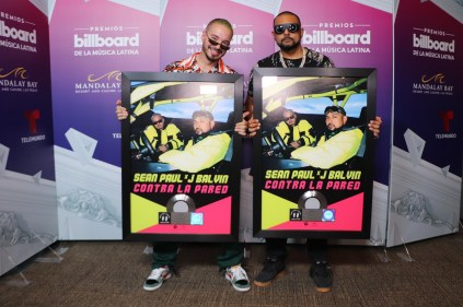 "Watch Sean Paul & J Balvin Perform Their New Smash Single ""Contra La Pared"" at Latin Billboard Awards-2"