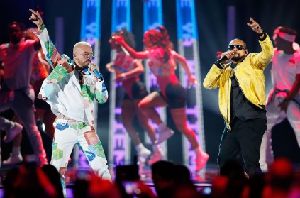 "Watch Sean Paul & J Balvin Perform Their New Smash Single ""Contra La Pared"" at Latin Billboard Awards"