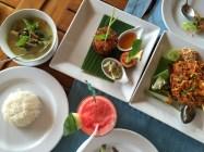 Lunch at Chom Talay, Mandarava