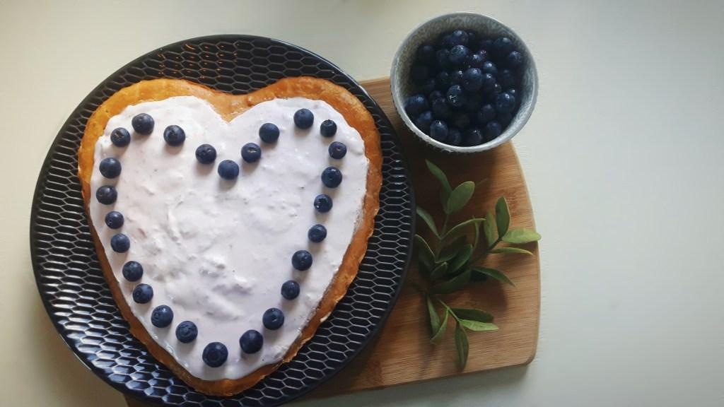 Koolhydraatarme aardbeien-mascarponetaart met cakebodem - flowcarbfood.nl