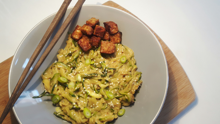 koolhydraatarme courgette-noedels vegetarisch