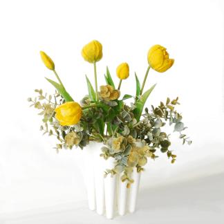 Peony-tulip-bundle-5-yellow-37cm-eucalyptus