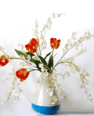 tall-red-tulips-white-orchids-eek-vase