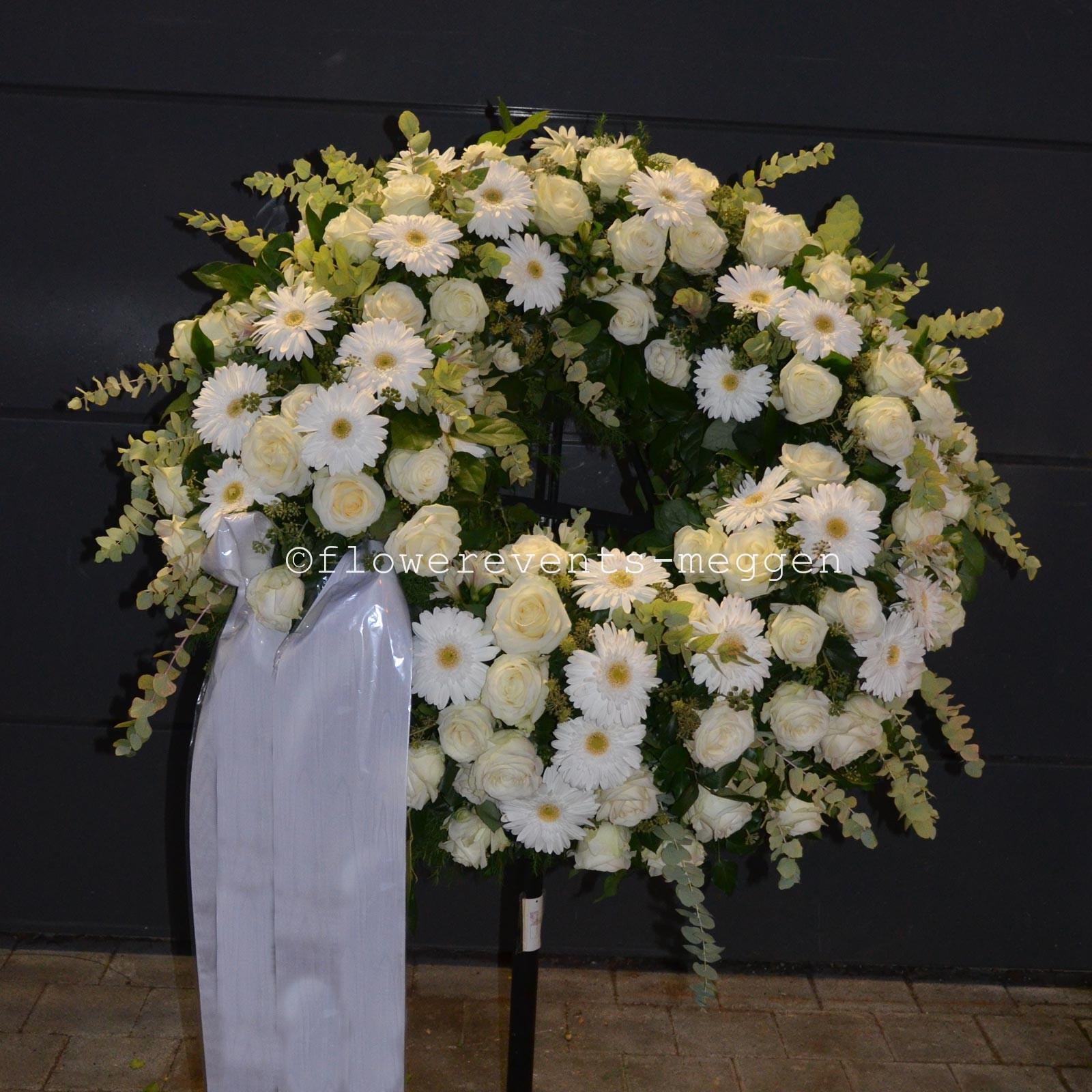 Trauerkranz online bestellen Blumenkranz Trauer Luzern