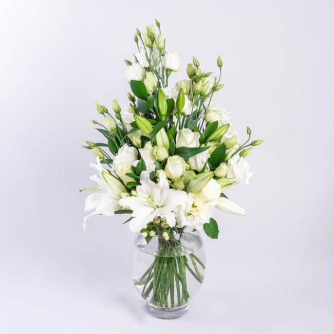 Flowerist | Bouquet containing white lilies