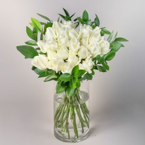 Flowerist | bouquet of white roses | Auckland Delivery