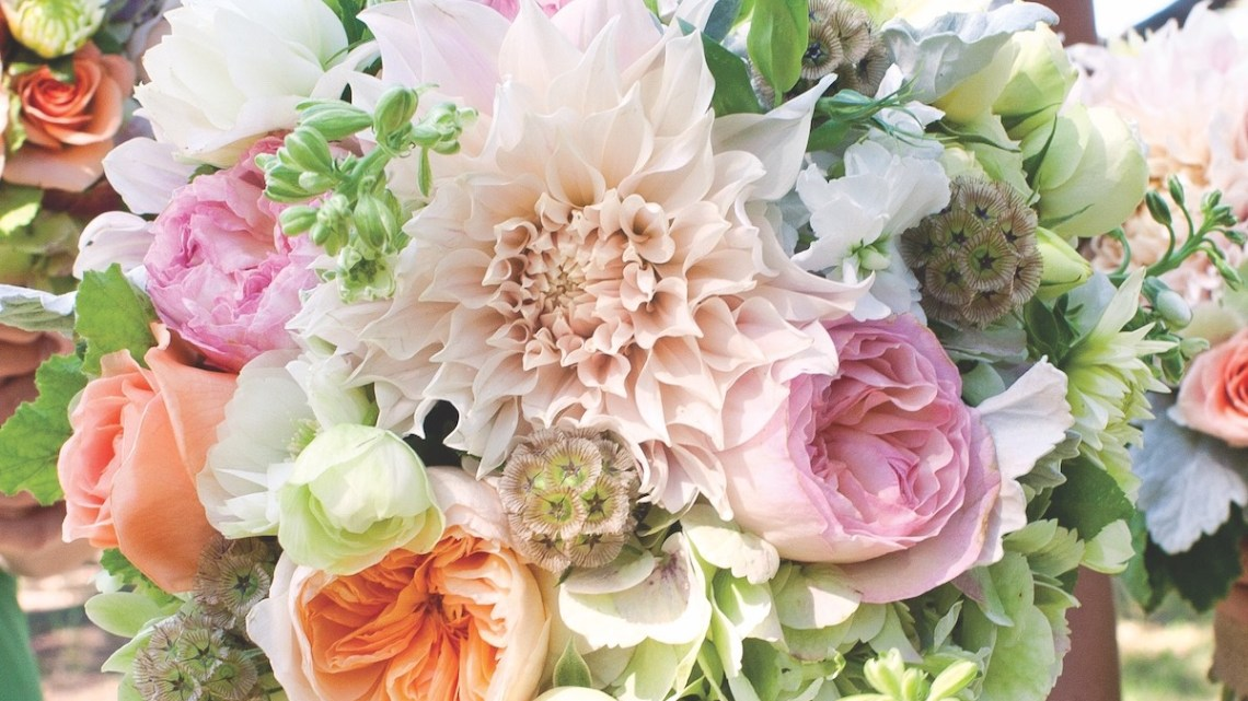 What S Your Wedding Flower Style Quiz Flower Magazine