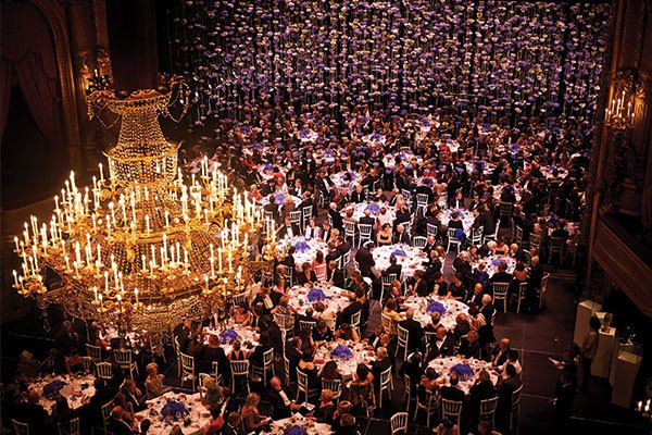 Law dramatically raised 6,200 indigo hydrangeas over guests dining inside the Théâtre Royal de la Monnaie in Brussels. Photo by Violaine Le Hardÿ & Arnaud Ostrowski