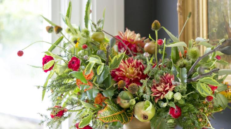 Christmas Flower Arrangements Flower Magazine Home Lifestyle
