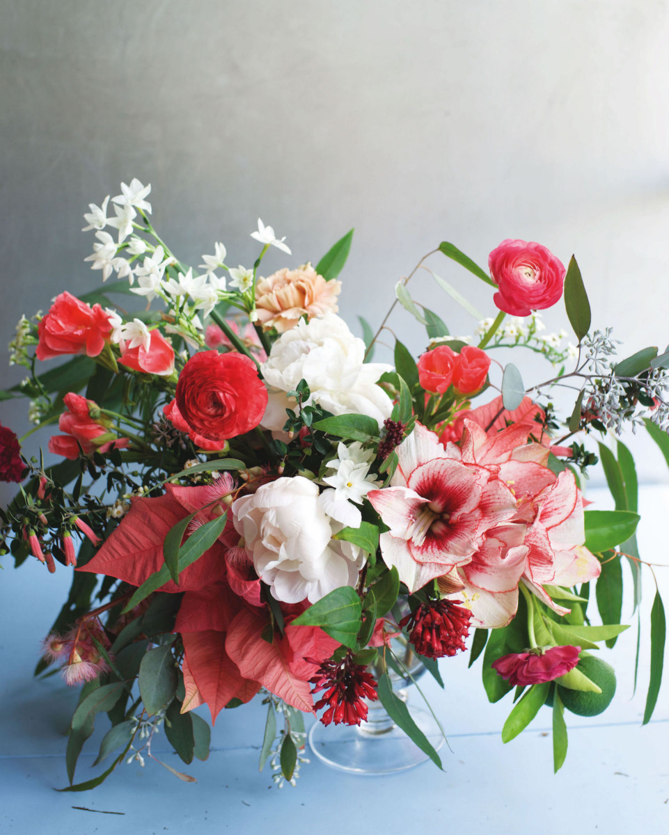 Christmas flowers flower magazine luxury lifestyle magazine christmas flowers izmirmasajfo