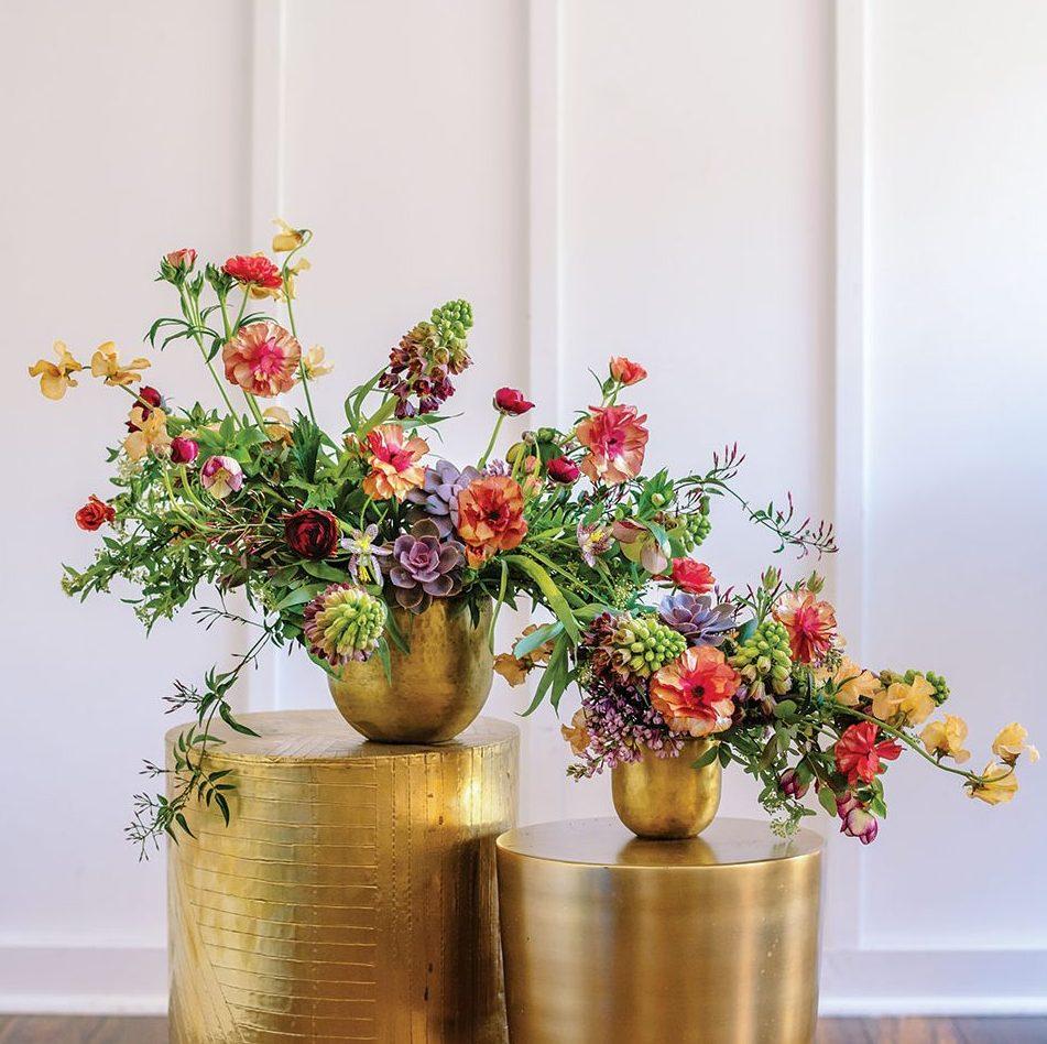 Susan McLeary\'s Colorful Cascading Arrangement - Flower Magazine
